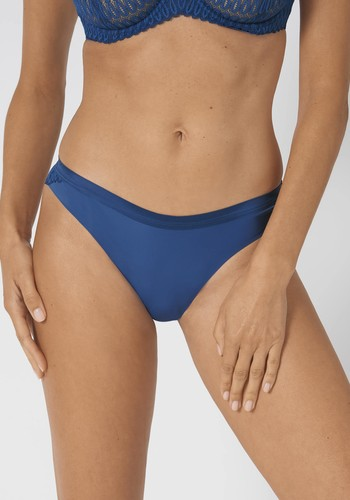 Aura Spotlight High Leg String blauw